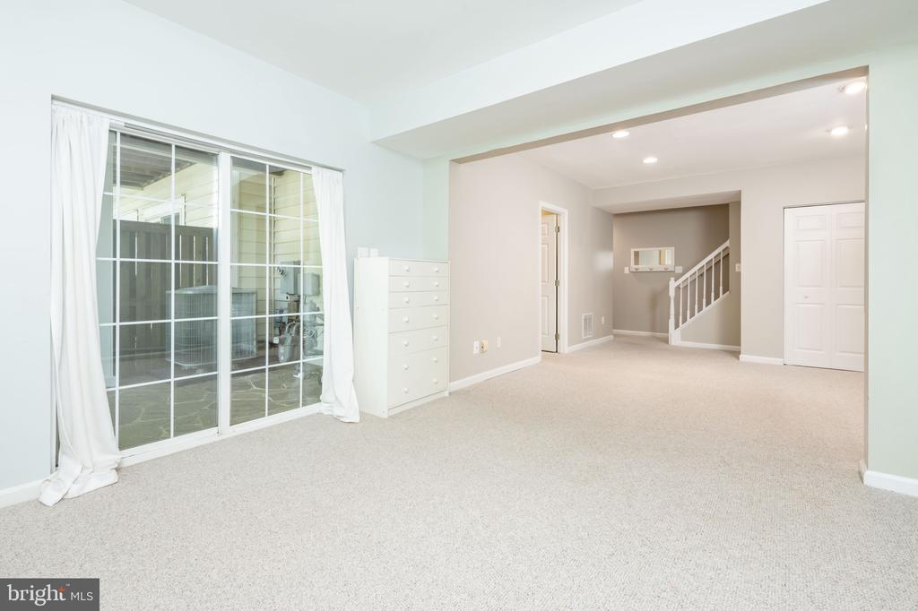 Finished Lower Level with Access to Patio - 1978 LOGAN MANOR DR, RESTON