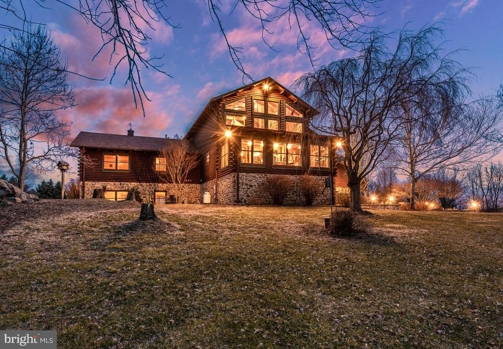 Stunning Log Home - 2315 MICHAEL RD, MYERSVILLE