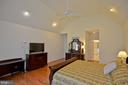 Master bedroom in main floor - 5111 HIRST VALLEY WAY, CENTREVILLE