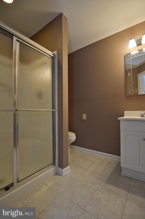 Bath - 5111 HIRST VALLEY WAY, CENTREVILLE