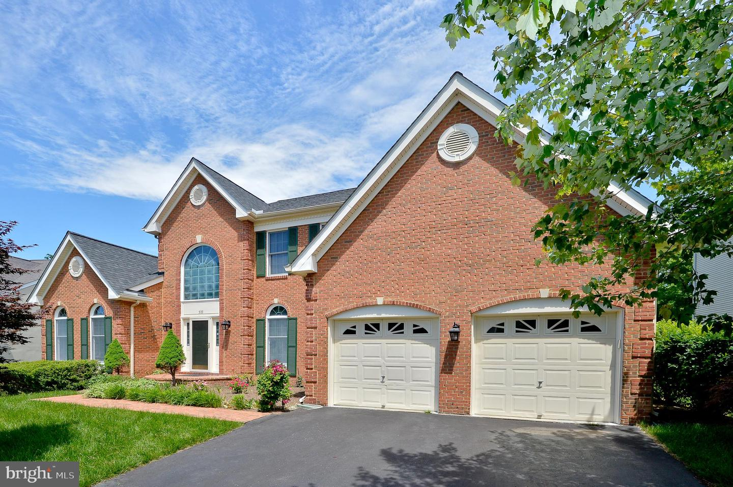 Single Family for Sale at 5111 Hirst Valley Way Centreville, Virginia 20120 United States