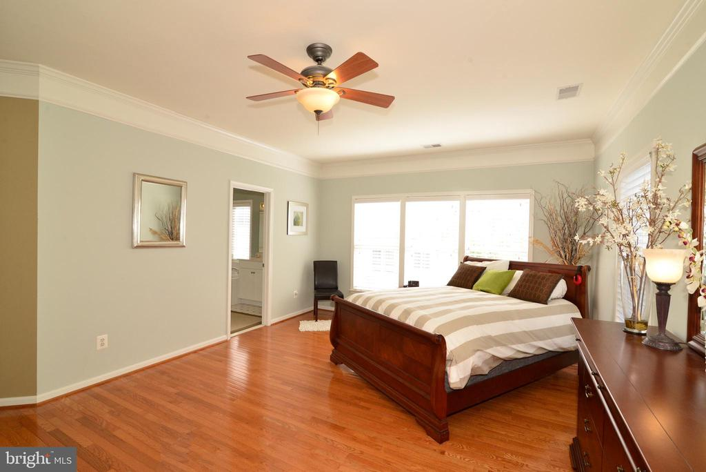 Master Bedroom w/Private Bath - 43198 ARBOR GREENE WAY, BROADLANDS