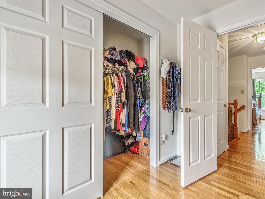 Master Bedroom Entry & Closets - 12706 PERCHANCE TER, WOODBRIDGE