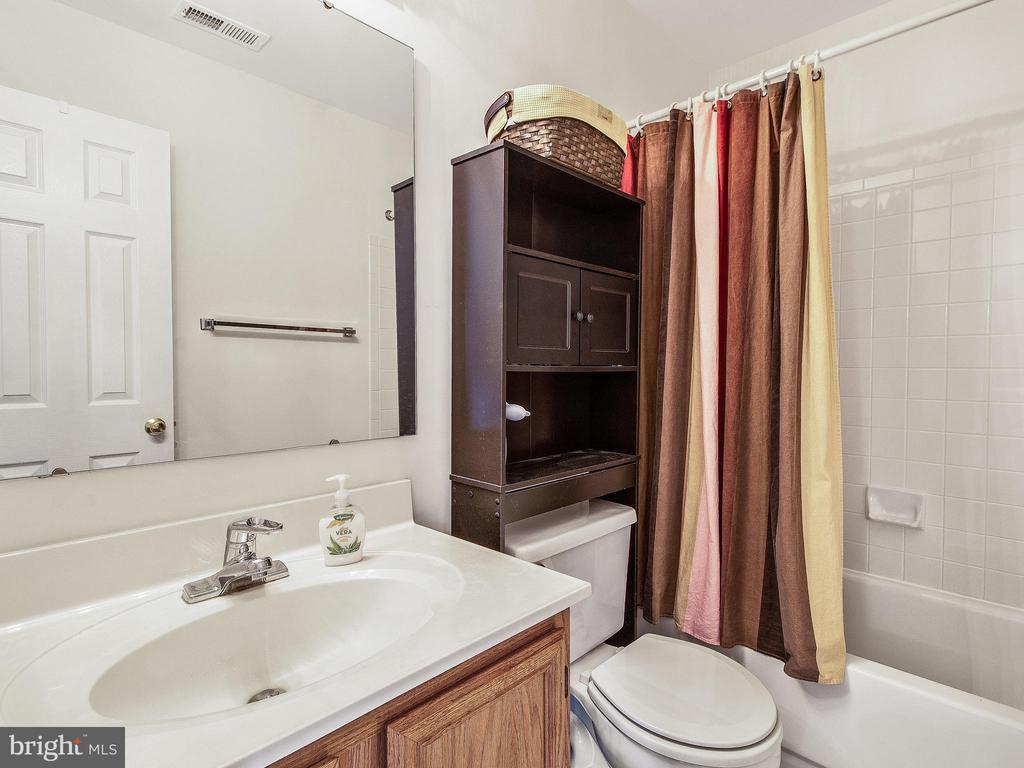 Bedroom 2 (2nd Master) Bath - 12706 PERCHANCE TER, WOODBRIDGE