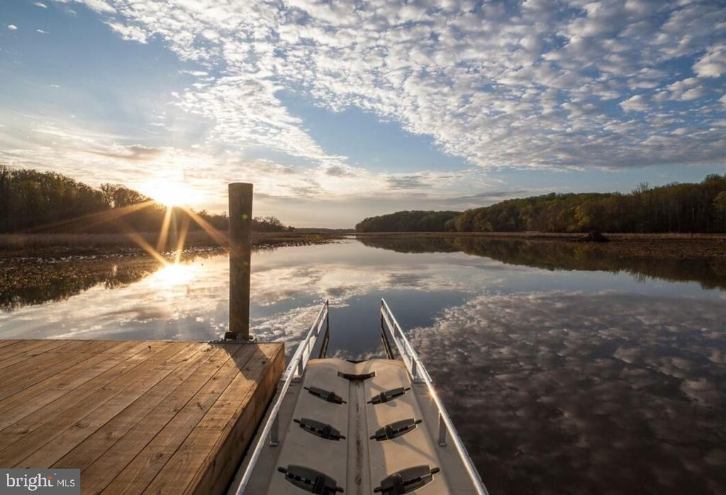 Watch the most amazing sunsets at the Crow's Nest - 2714 BROOKE RD, STAFFORD