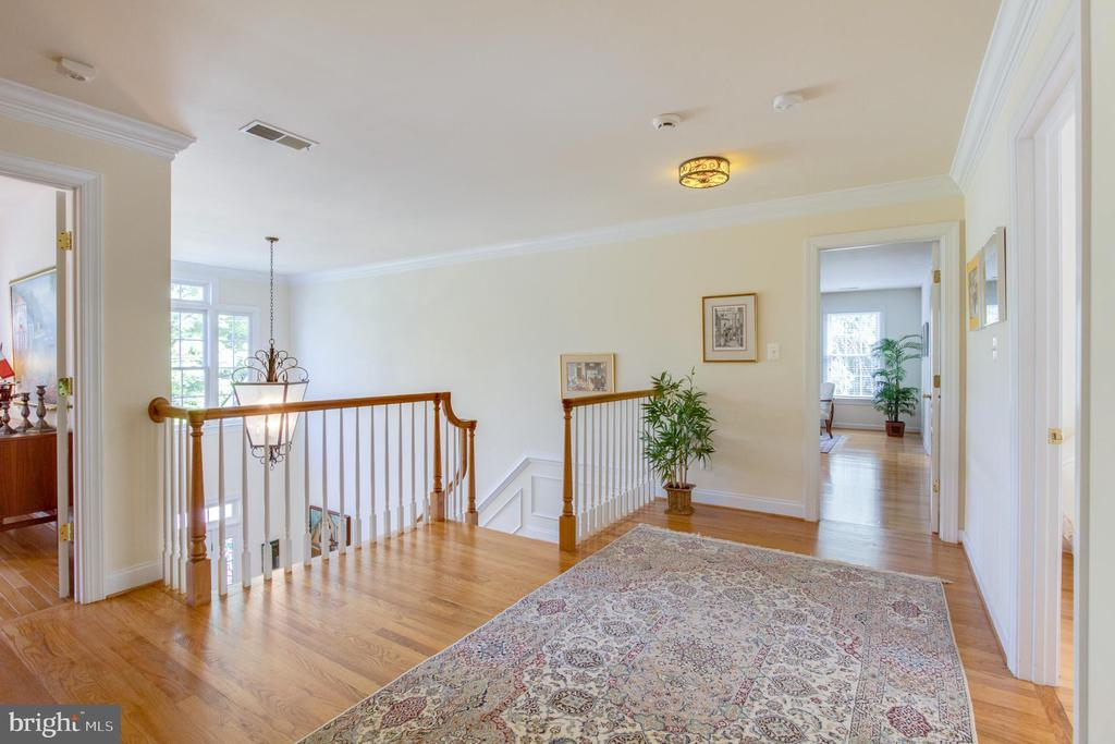 So much open space on upper level. - 2742 N LEXINGTON ST, ARLINGTON