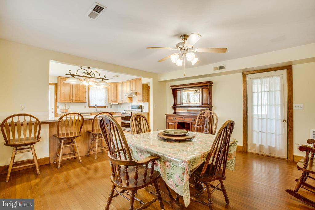 Dining area - 10455 WHISPER FARM LN, LOCUST GROVE