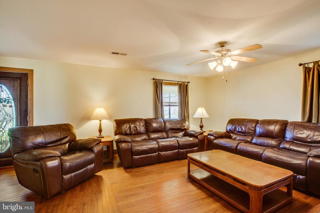 Family Room - 10455 WHISPER FARM LN, LOCUST GROVE
