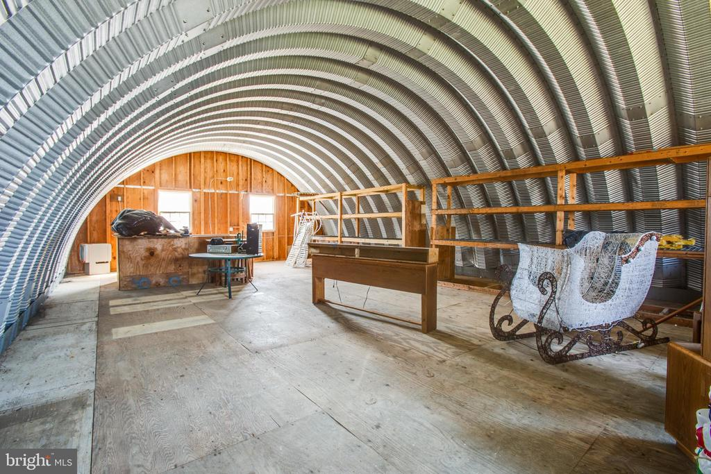 Barn loft - 10455 WHISPER FARM LN, LOCUST GROVE