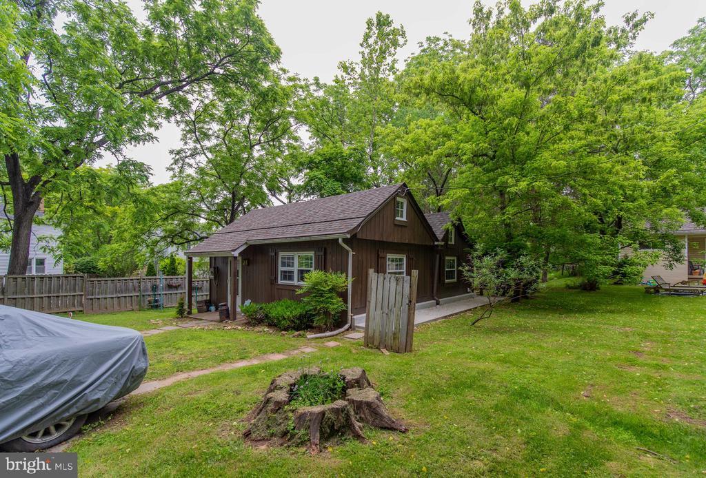 The Cabin on a separate 1.18 acre lot - 13830-13826 CASTLE CLIFF WAY, SILVER SPRING