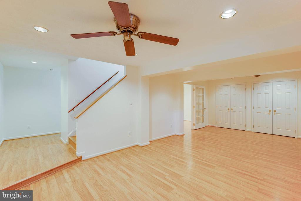 Spacious Light Filled Basement - 2332 CLUB POND LN, RESTON