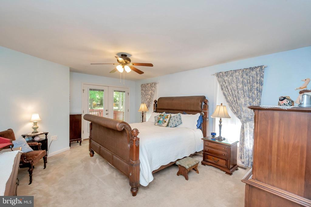 Master bedroom with deck access - 119 MONTICELLO CIR, LOCUST GROVE