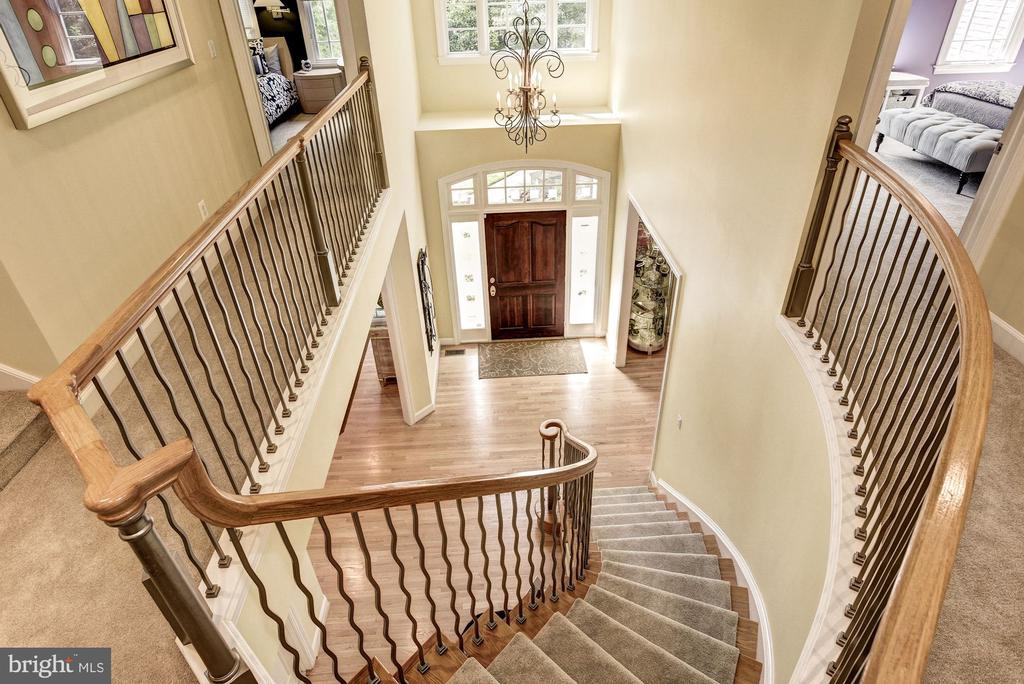 Grand Curved Staircase - 11096 WHITSTONE PL, RESTON