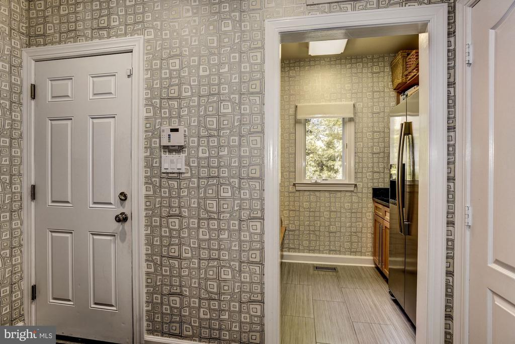 Mudroom, Entrance from Garage - 11096 WHITSTONE PL, RESTON