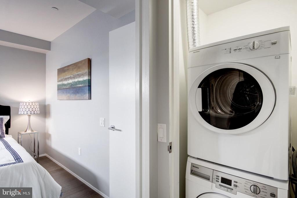 Washer/dryer in-unit - 2422 17TH ST NW #301, WASHINGTON