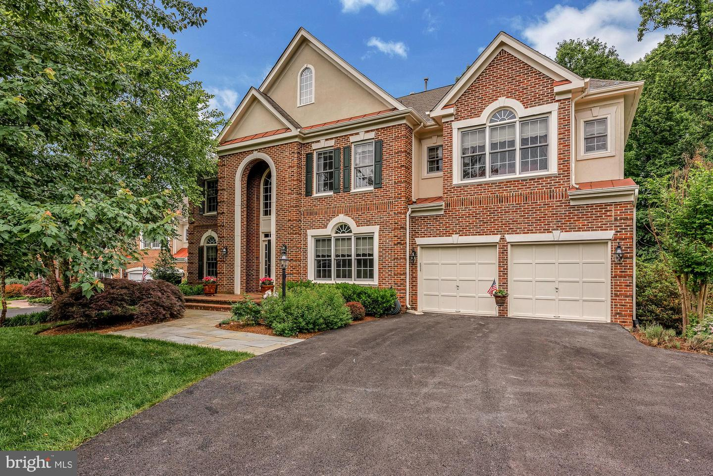 Single Family for Sale at 22 Hackett Ct Poolesville, Maryland 20837 United States