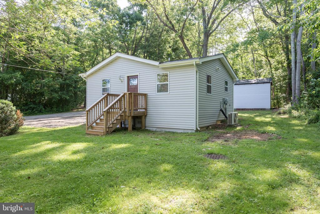 - 9335 SPRINGS RD, WARRENTON
