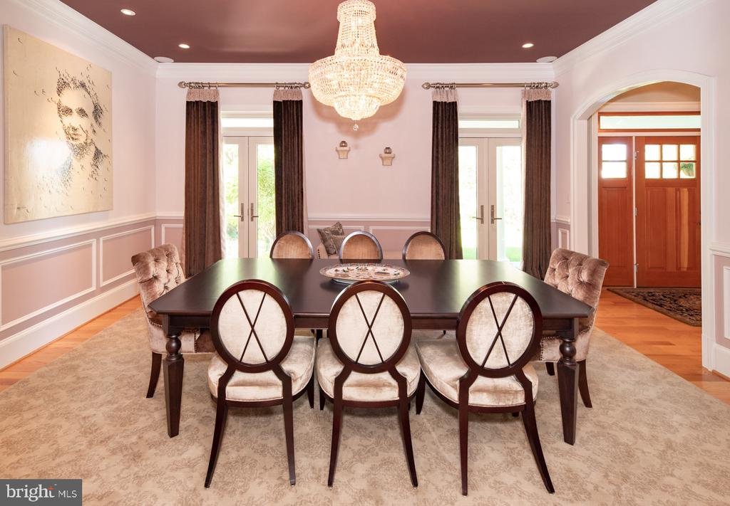 Dining Room with French doors - 3606 N VERNON ST, ARLINGTON