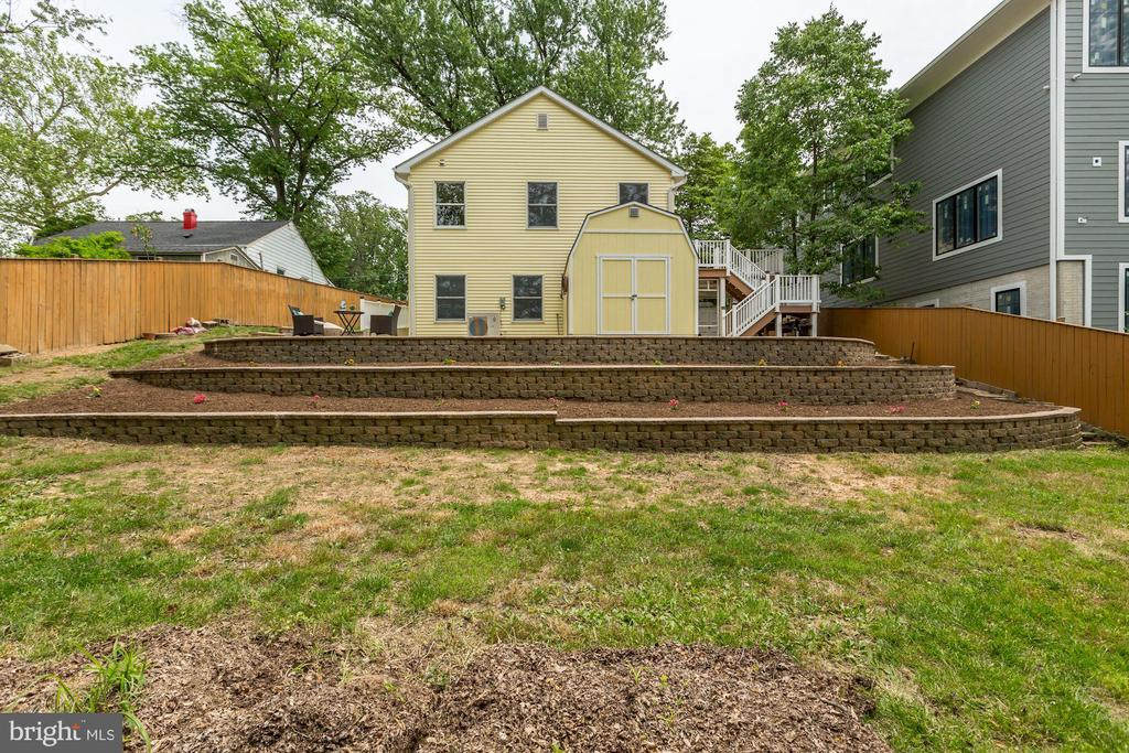Storage shed and nice landscaping - 7630 LISLE AVE, FALLS CHURCH