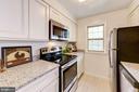 Kitchen - 802 S ARLINGTON MILL DR #301, ARLINGTON