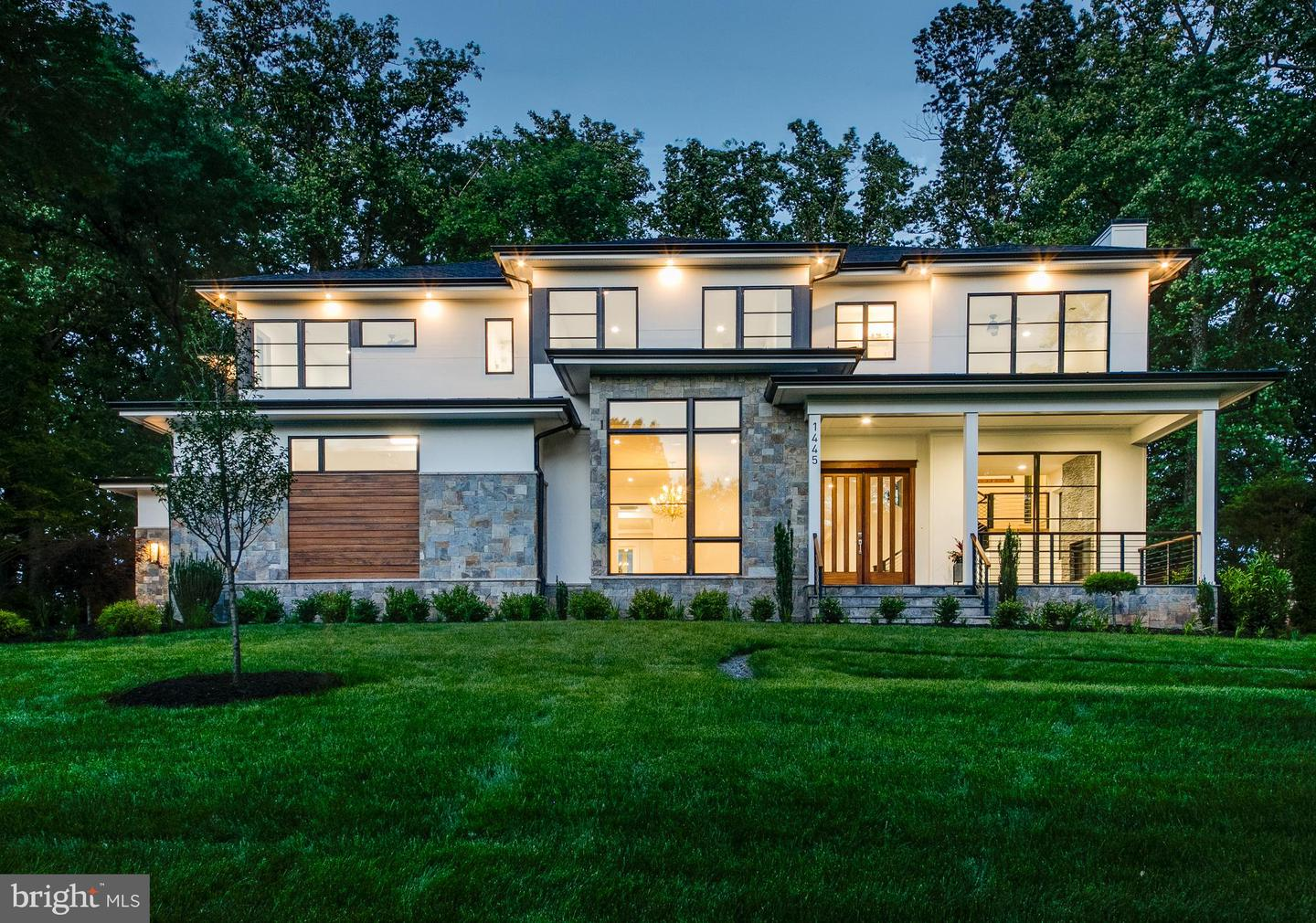 Single Family for Sale at 1445 Oakview Dr Mclean, Virginia 22101 United States
