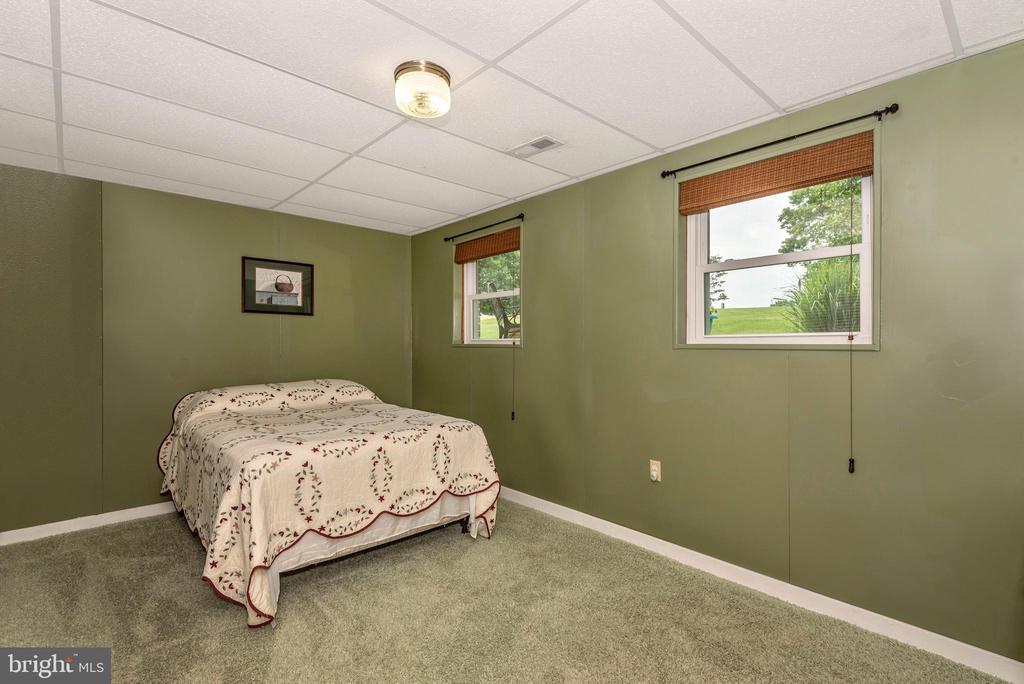 Bedroom 3-Lower Level - 16808 POWELL RD, SHARPSBURG