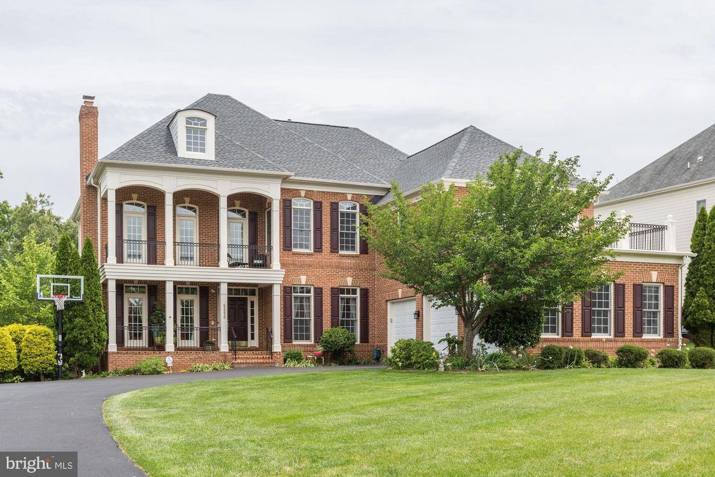 Single Family for Sale at 43230 Parkers Ridge Dr Leesburg, Virginia 20176 United States