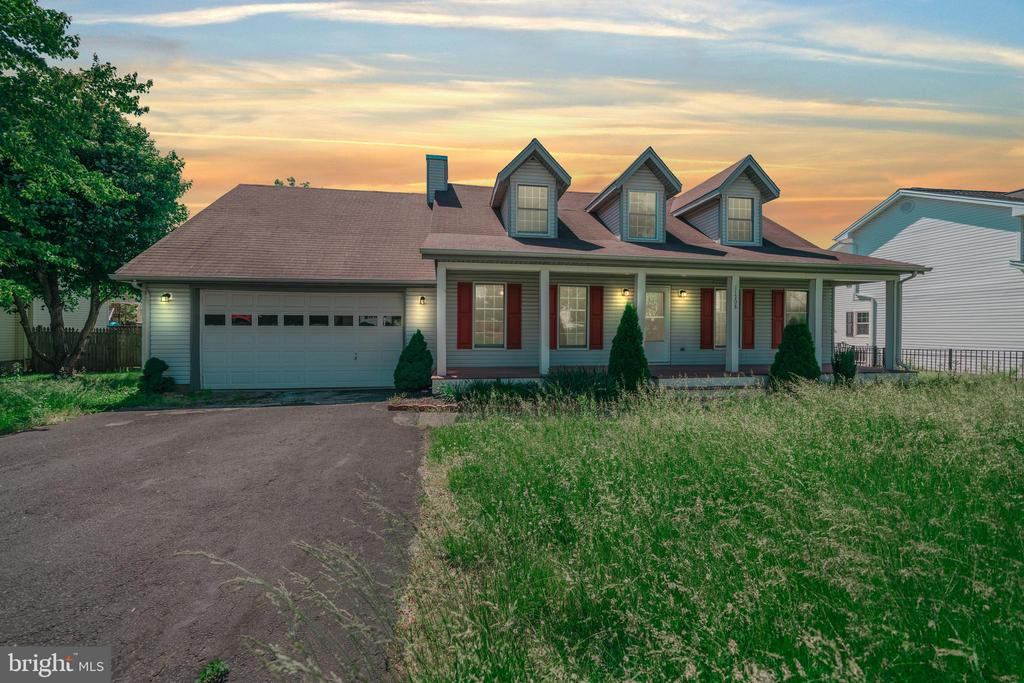 11208  MEADFIELD DRIVE, Bealeton in FAUQUIER County, VA 22712 Home for Sale