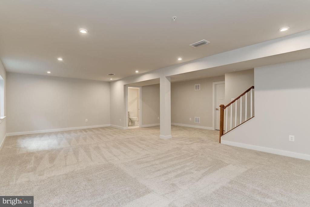 Ask about our finished rec room incentive! - 206 CARTWRIGHT RD, WALKERSVILLE