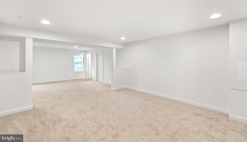 Basement is a clean palette! Bring on the fun! - 6442 LAKERIDGE DR, NEW MARKET