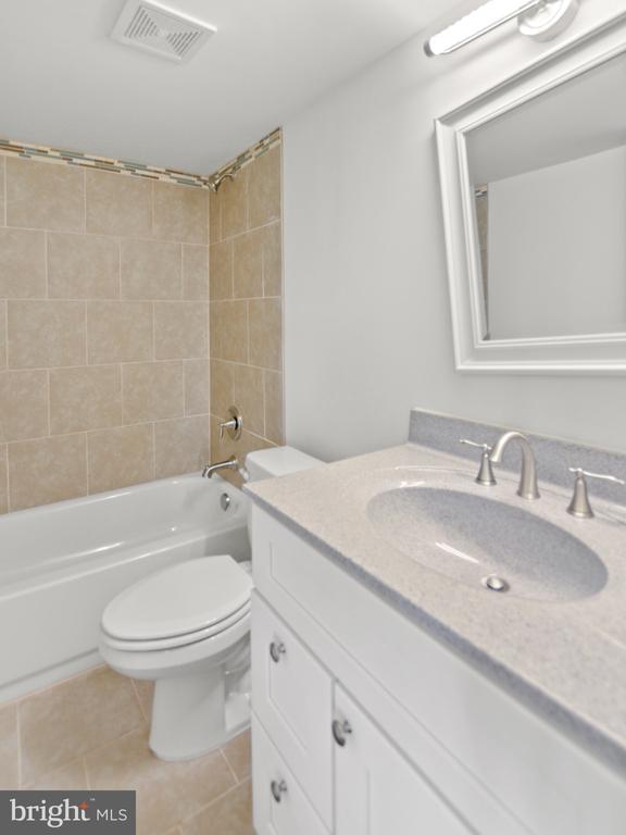 Basement full bath.  This is incredible! - 6442 LAKERIDGE DR, NEW MARKET