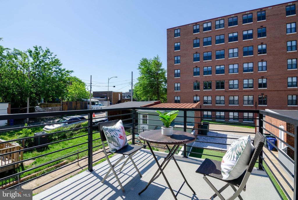Morning brew on main floor! 1 of 4 outdoor spaces. - 1412 SHEPHERD ST NW #2, WASHINGTON