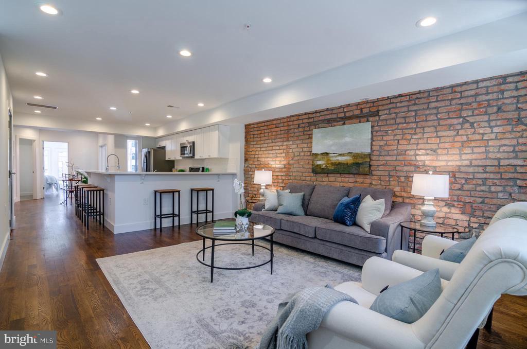 Everyone's favorite - exposed brick wall! - 1412 SHEPHERD ST NW #2, WASHINGTON