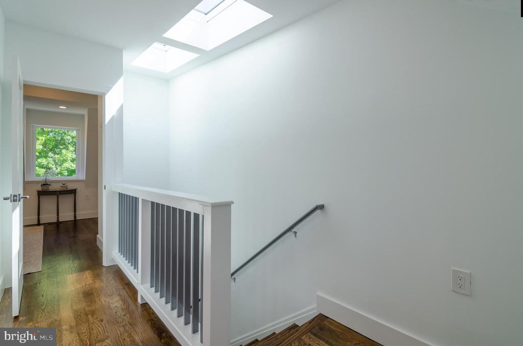 Ascend to your private master suite. - 1412 SHEPHERD ST NW #2, WASHINGTON