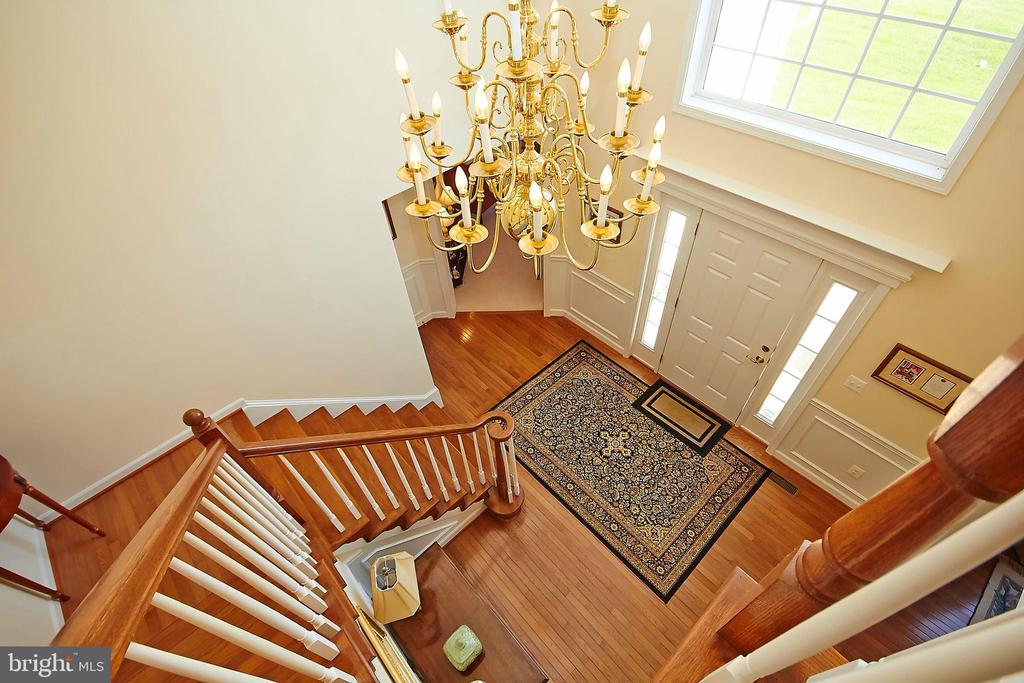 Two story foyer w/palladian window - 32315 DEEP MEADOW LN, LOCUST GROVE