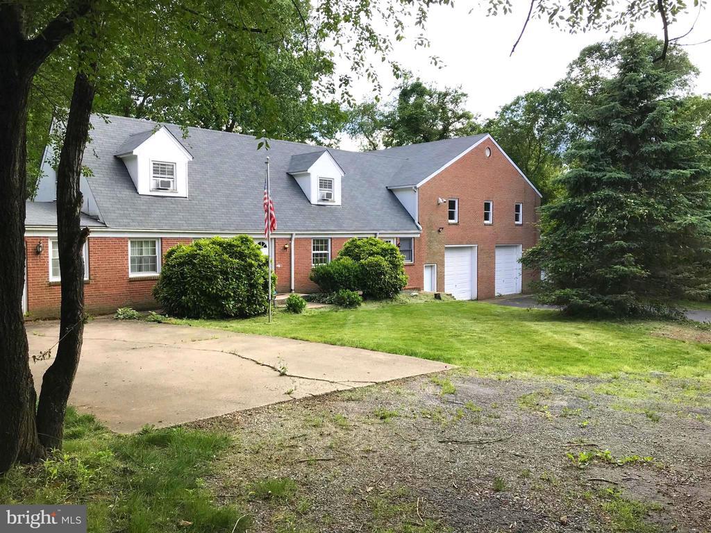 Fairfax Homes for Sale -  Farm,  9213  TOPAZ STREET
