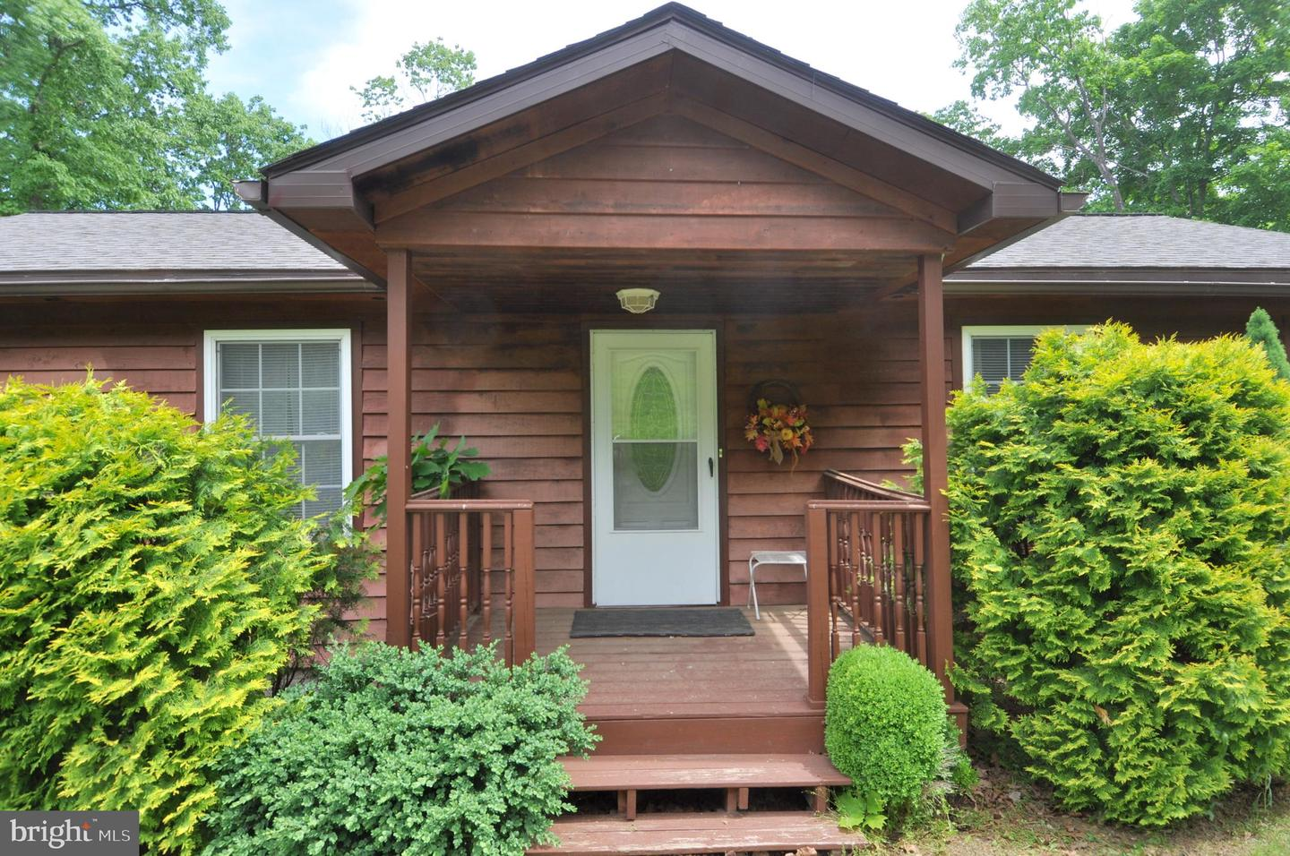 Single Family for Sale at 286 Circling Hawk Ln Berkeley Springs, West Virginia 25411 United States