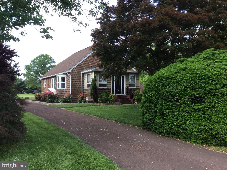 Single Family Homes vì Bán tại Pilesgrove, New Jersey 08098 Hoa Kỳ