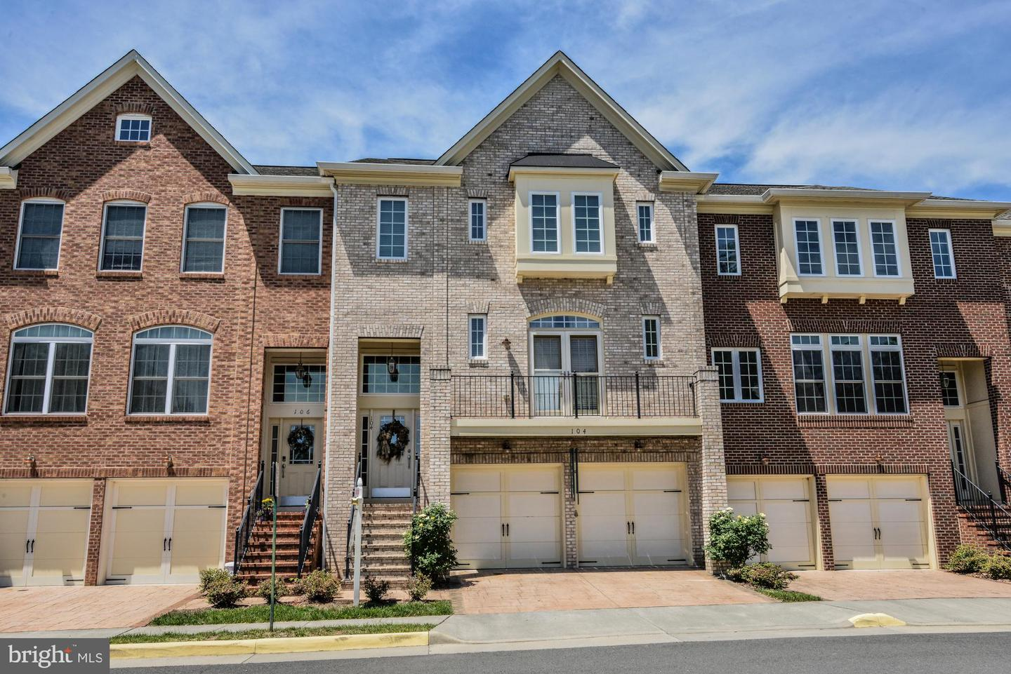 Single Family for Sale at 104 Lillian Chase Ln Herndon, Virginia 20170 United States