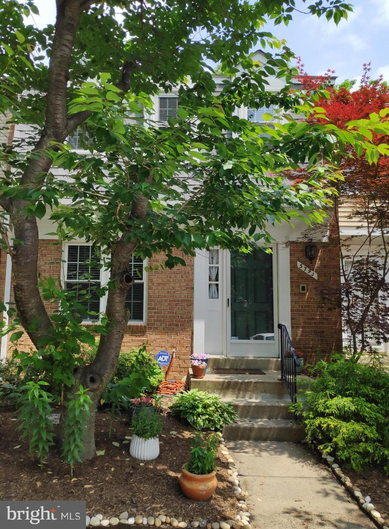 Other Residential for Rent at 5793 Heritage Hill Dr Alexandria, Virginia 22310 United States