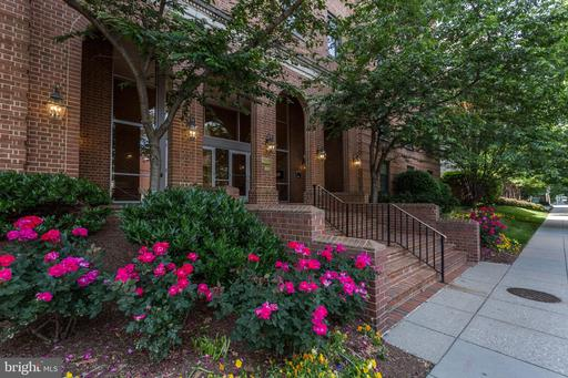 2828 WISCONSIN AVE NW #309