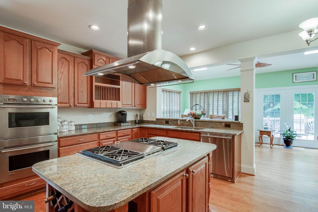 Kitchen - 3465 LOGSTONE DR, TRIANGLE