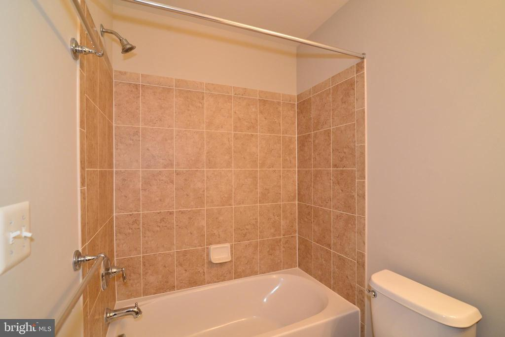 Full bath on lower level - 42752 KEILLER TER, ASHBURN