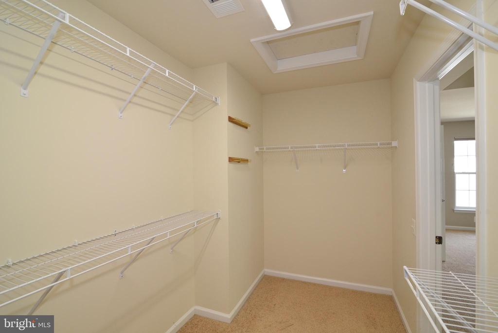 Master BR walk in closet - 42752 KEILLER TER, ASHBURN