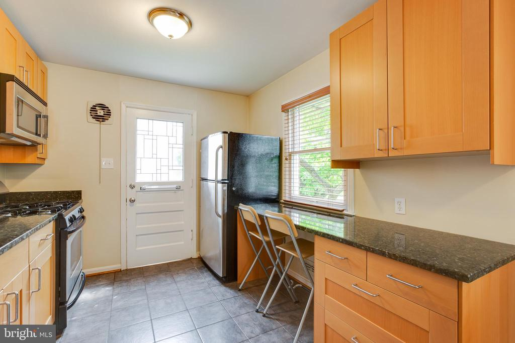 Kitchen - 4007 SPRUELL DR, KENSINGTON