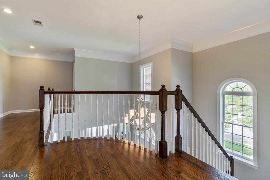 Upper Hallway with Refinished Hardwood Floors - 19448 MILL DAM PL, LEESBURG