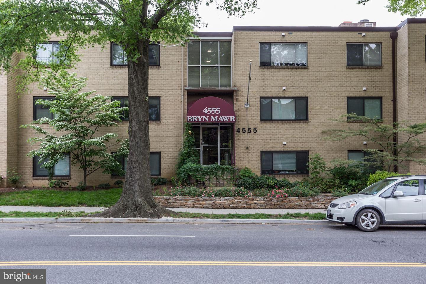 Single Family for Sale at 4555 Macarthur Blvd NW #102 Washington, District Of Columbia 20007 United States