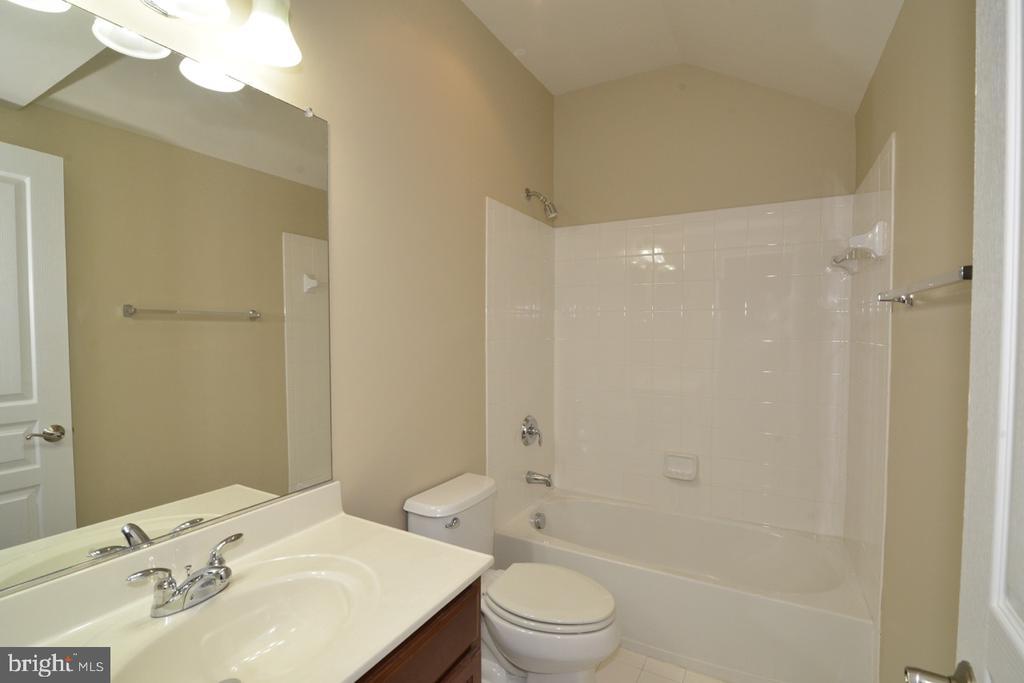 Fourth Bathroom - 23110 BRONSTEIN LN, ASHBURN