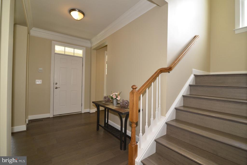 Foyer - 23110 BRONSTEIN LN, ASHBURN