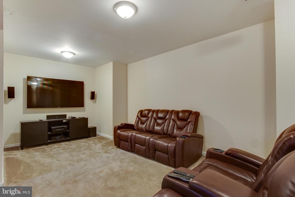 Media room area in basement - 18605 KERILL RD, TRIANGLE